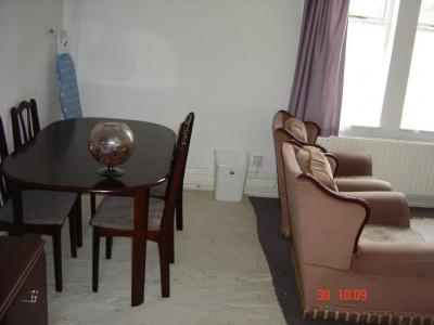 37a Beech Avenue, dining room